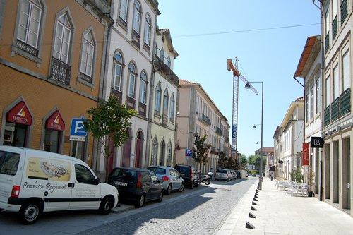 Trânsito na Rua D. Afonso Henriques